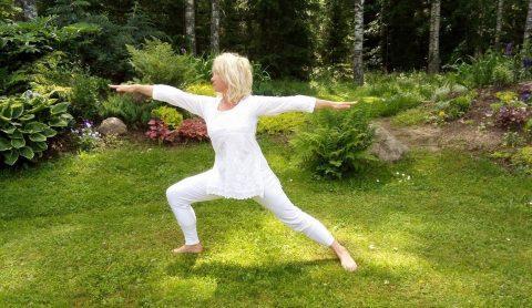 Treening. Teraapiline hatha jooga tund: harjutused selja lõdvestamiseks ja tugevdamiseks - Silva Kirsimägi